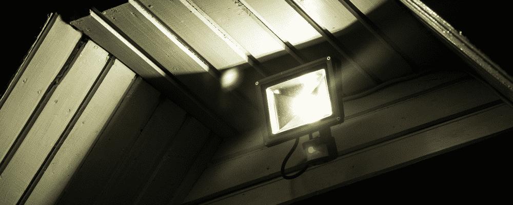 how to adjust dusk to dawn light sensor