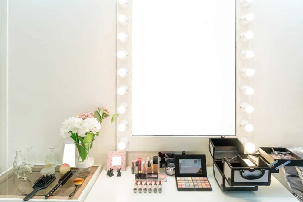 Best Lighting For Makeup Vanity 2020